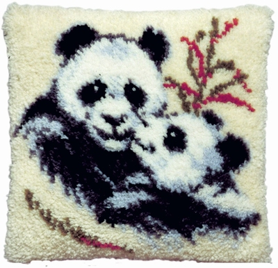 knoopkussen panda met jong  40 x 40 cm