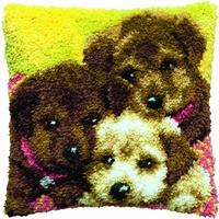 knoopkussen drie puppy's 40 x 40 cm