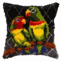 Knoopussen twee papegaaien 40 x 40 cm