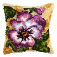 Knoopkussen viooltjes 40 x 40 cm
