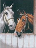 2 paarden op stal